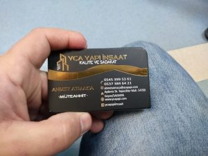 altın yaldızlı kartvizit örneği